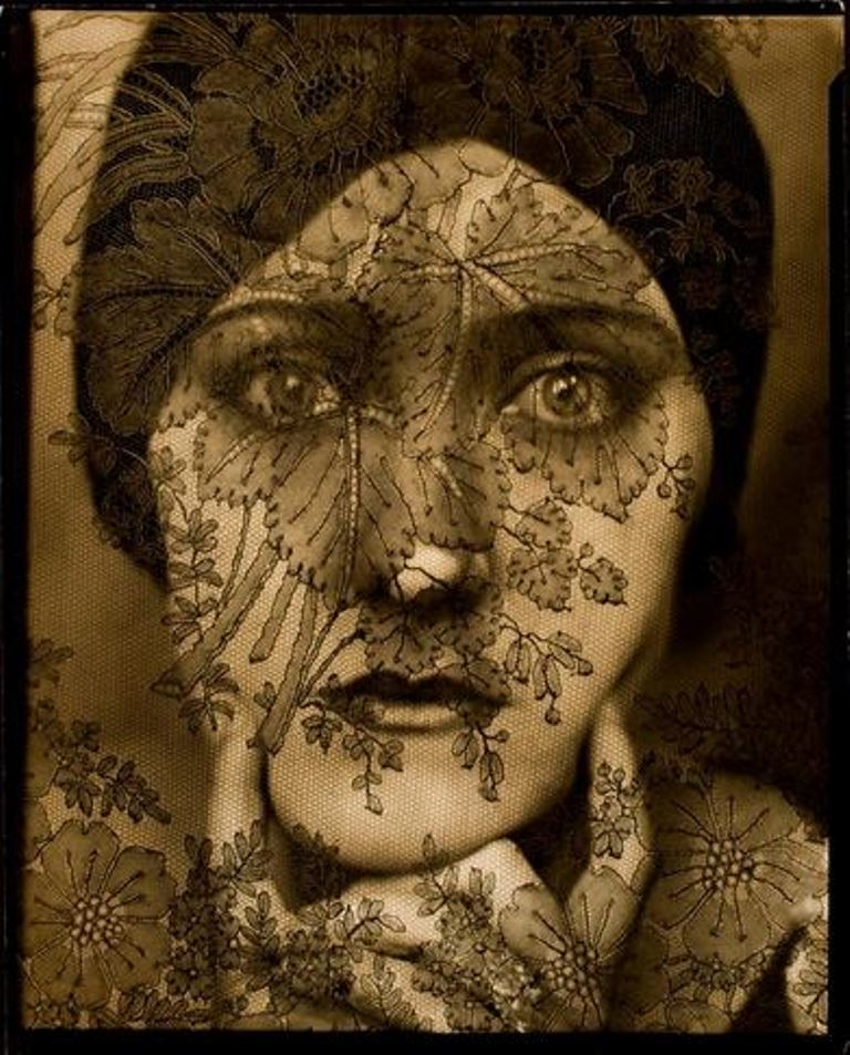 Edward Steichen. Gloria Swanson 1924. Via eastman museum