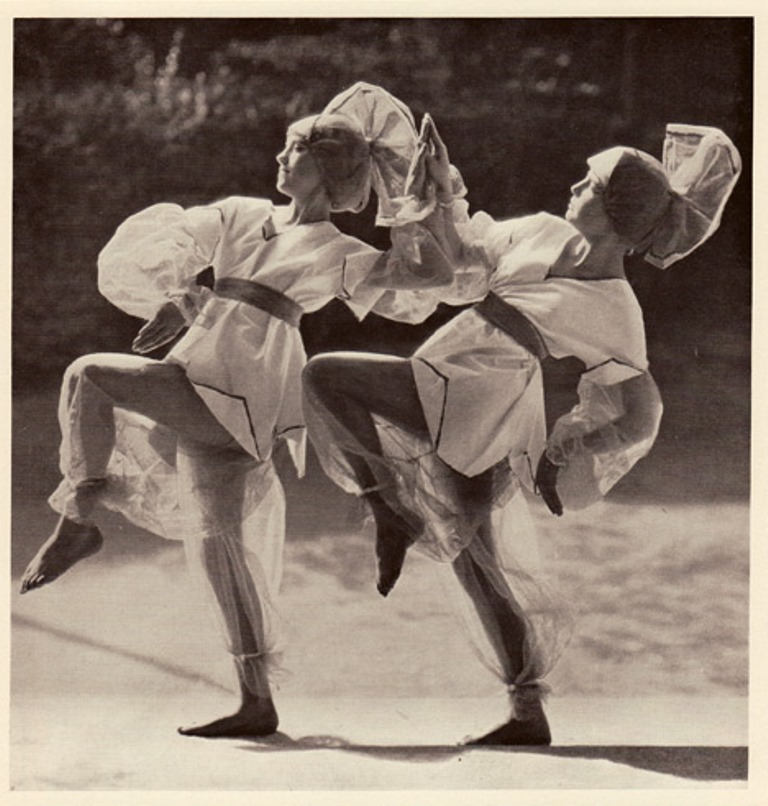 margaret-morriss-dancers-les-funambules-costumes-designed-by-lois-hutton-to-music-by-schumann
