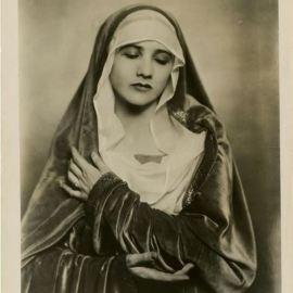 nickolas-muray-anna-duncan-1927-via-eastmanmuseum