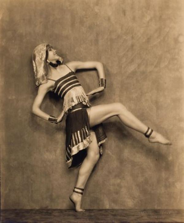 nickolas-muray-doris-niles-dance-study-1920-1932-via-eastmammuseum