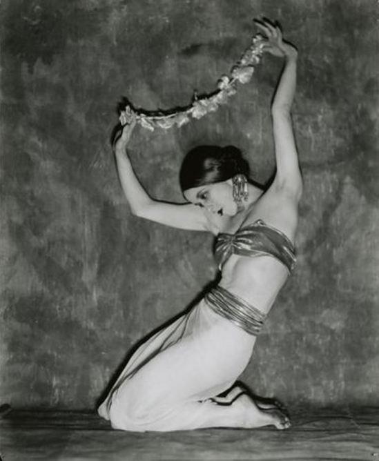 nickolas-muray-martha-graham-1925-via-eastmanmuseum
