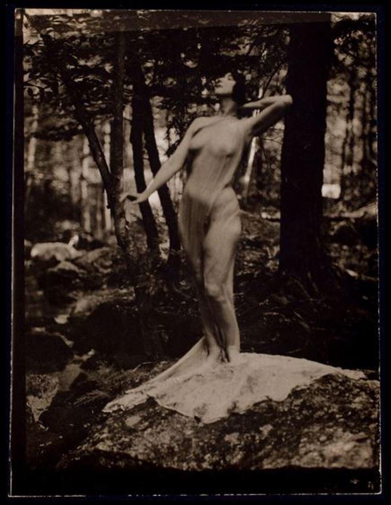 nickolas-muray-ruth-st-denis-1920-1932-via-eastmanmuseum