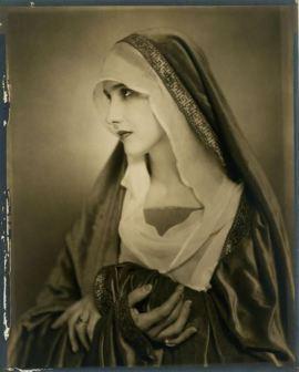 nickolas-muray2-anna-duncan-1927-via-eastmanmuseum