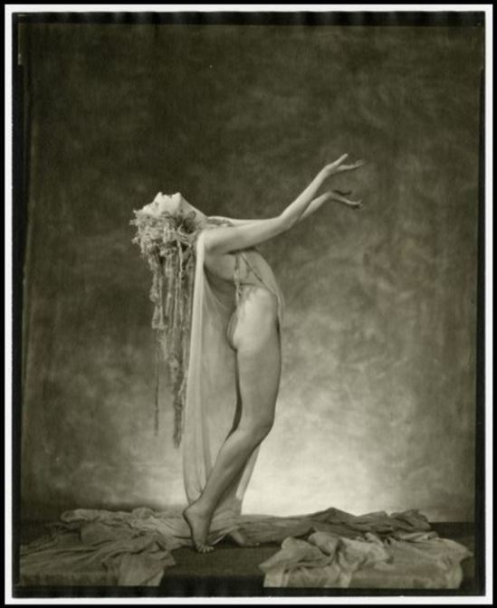nickolas-muray3-doris-humphrey-1922-1961-via-eastmanmuseum