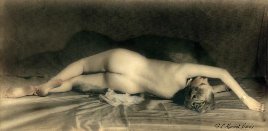 manuel-freres1-etude-de-nu-rehausse-a-laquarelle-vers-1920-via-galerie-lumiere-des-roses