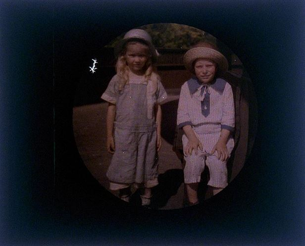 charles-c-zoller-children-1907-1932-autochrome-via-eastmanuseum