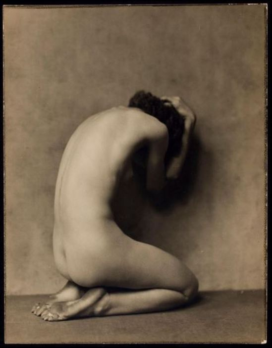 nickolas-muray-desha-1922-via-eastmanmuseum