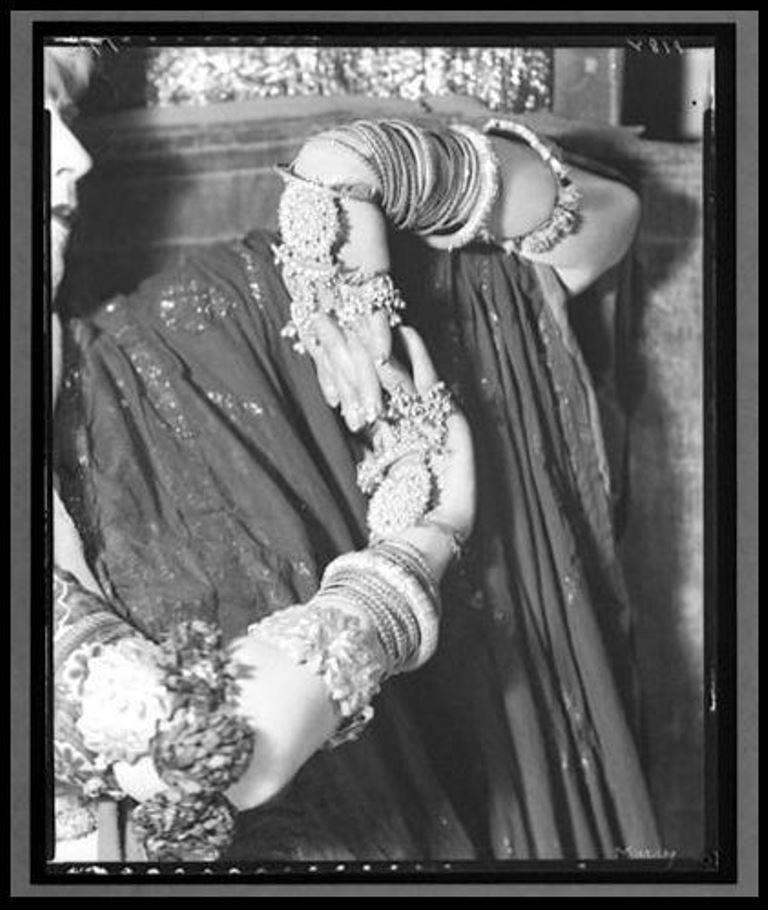 nickolas-muray-ruth-st-deniss-hands-1922-1961-via-eastmanmuseum