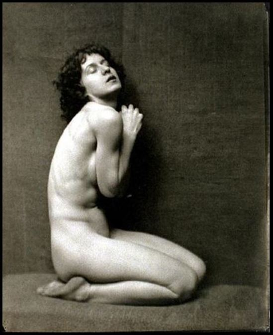 nickolas-muray1-desha-1922-via-eastmanmuseum