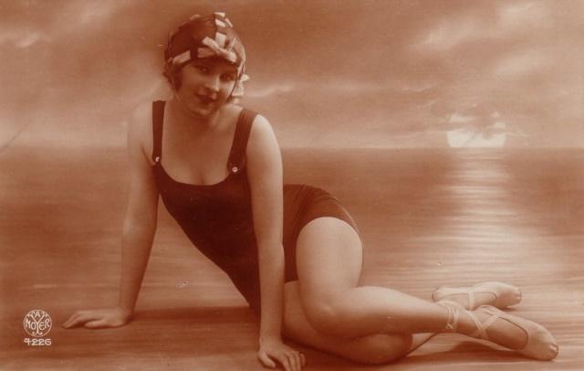 alfred-noyer-sexy-woman-in-beachwear-ocean-via-ebay