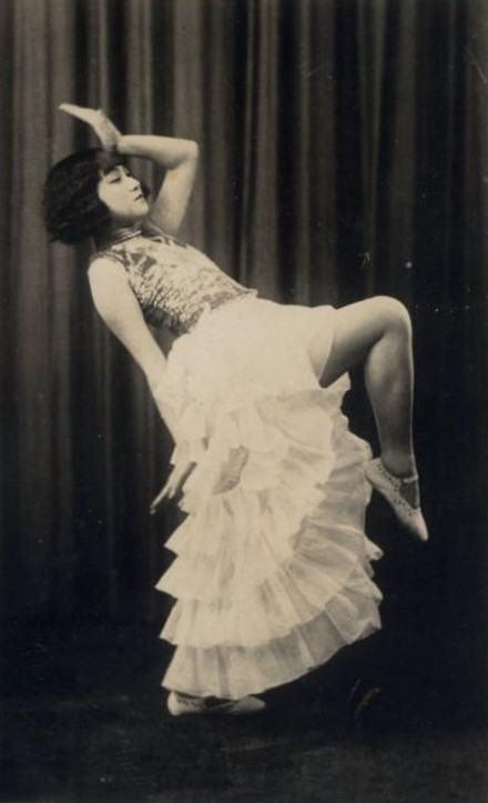 danseuse-asiatique-carte-photo-via-delcampe