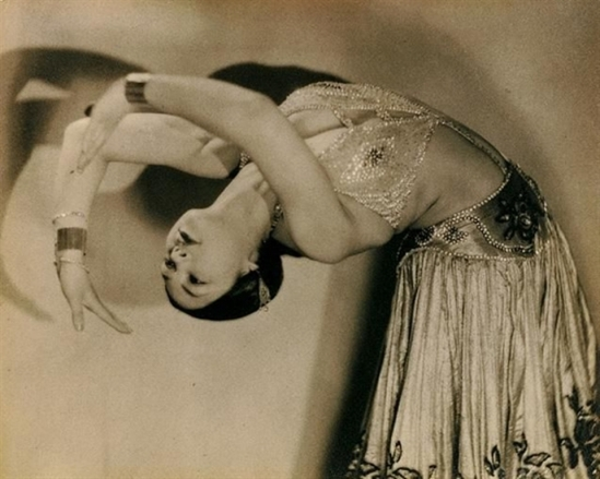 man-ray-danseuse-via-mutualart