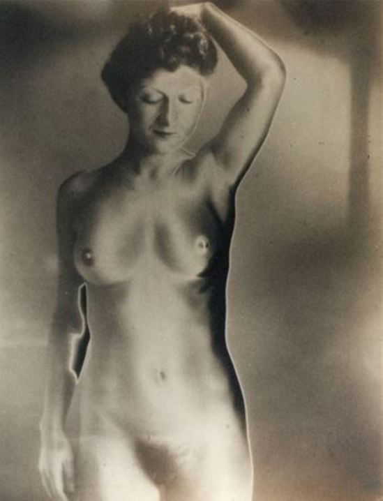 Blanc & Demilly. Nu solarisé 1952. Via artnet