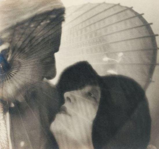 Blanc & Demilly. Portraits à l'ombrelle 1933. Via artnet