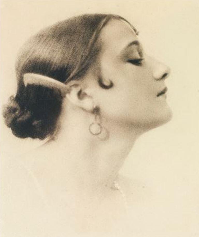 Blanc & Demilly. Profil de femme 1925. Gum bichromate. Via artnet