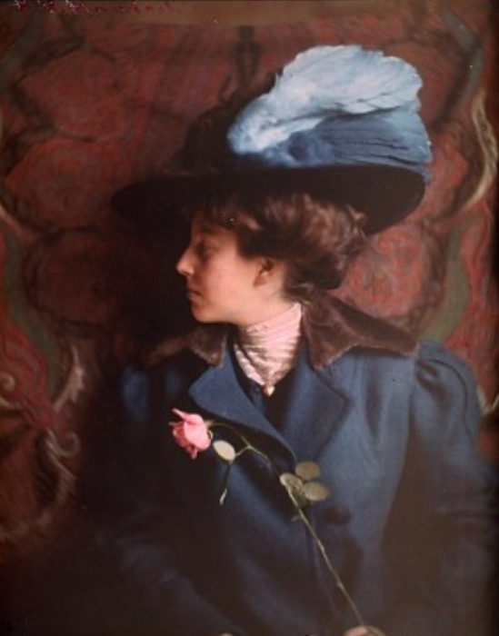 Helen Messinger Murdoch. Woman in blue 1912. Autochrome. Via europeanautochrome