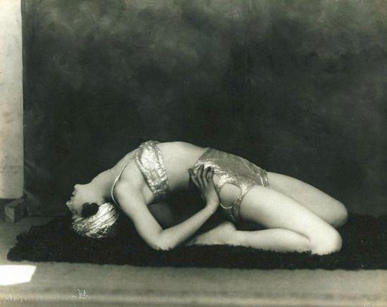 John de Mirjian. Marguerite Agniel posing leaning back 1929. Via wiki