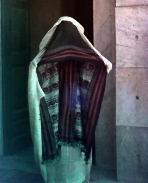 Jules Gervais. Femme voilée, Maroc vers 1913. Autochrome ®SFP