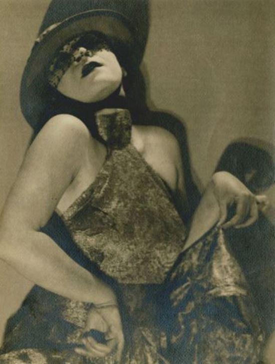 Man Ray. Valeska Gert 1925. Via joelsorokgallery