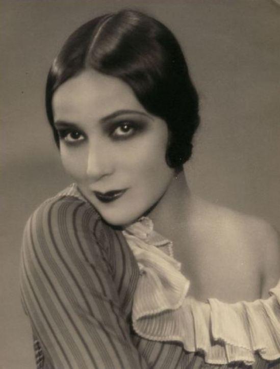 Portrait of the actress Dolores del Rio1. Via fanpix