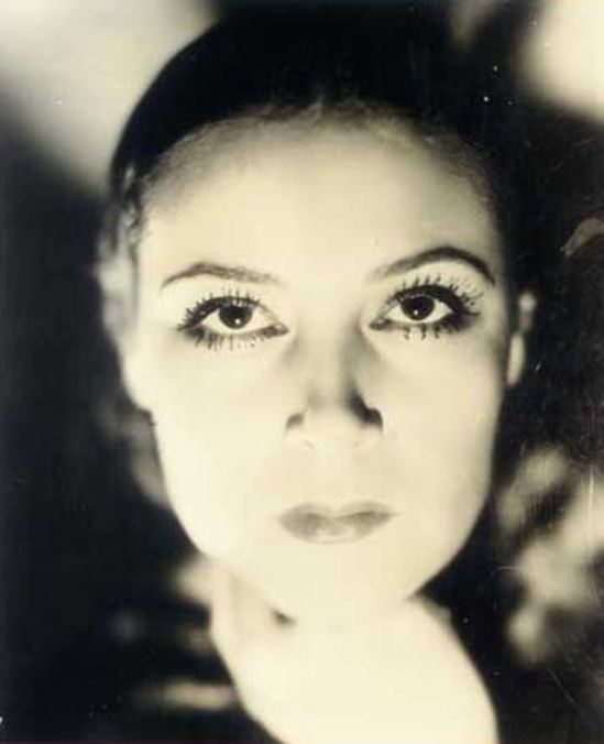 Portrait of the actress Dolores del Rio6. Via fanpix
