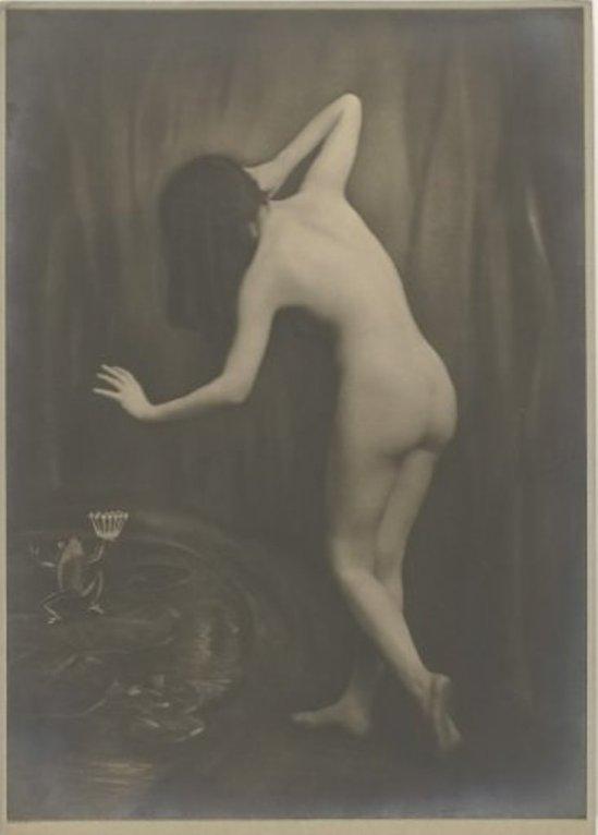 Studio Merkelbach. Mies Rosenboom-Merkelbach 1913. Via redeenportret