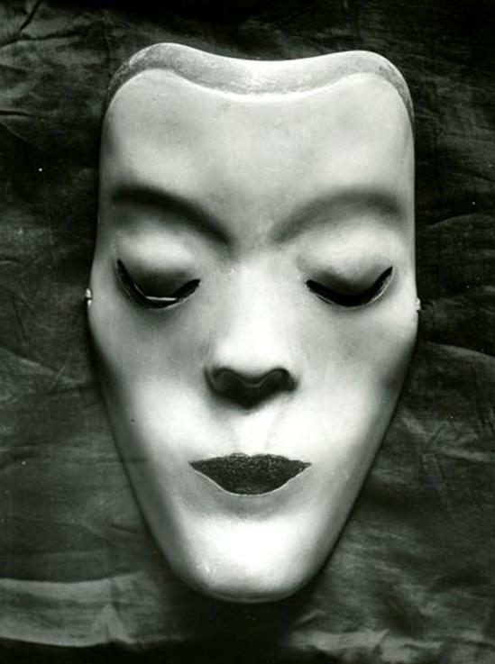 Victor Magito. Tanzmaske Mary Wigman 1926. Via skd