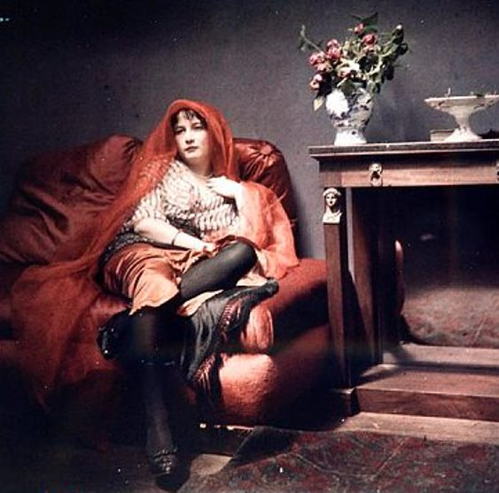 Georges Balagny. Young woman with red veil early 20th. Autochrome ®French Photographic Society