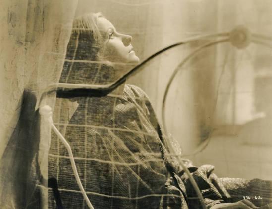 Greta Garbo in The painted Veil directed by Richard Boleslawski 1934. Via theredlist