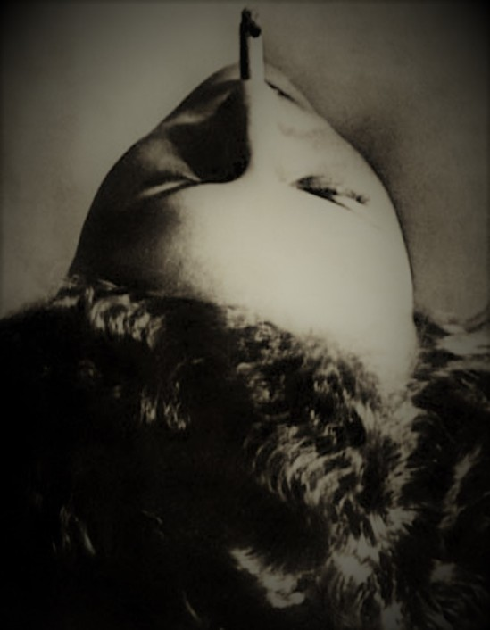 Man Ray. Tête à la cigarette 1920 ® Man Ray Trust