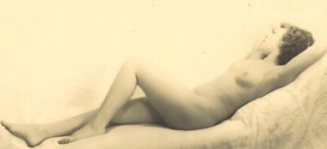 Laure Albin-Guillot. La dormeuse 1937